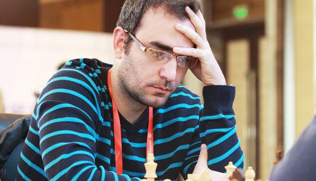Leinier debutó con victoria en Olimpiada de Bakú.
