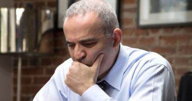 Garry Kasparov regresa a los tableros...al menos para un torneo de ajedrez rápido