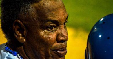 Víctor Mesa es el director cubano con más derrotas en playoff. Foto: Otmaro Rodríguez, en PlayOff Magazine