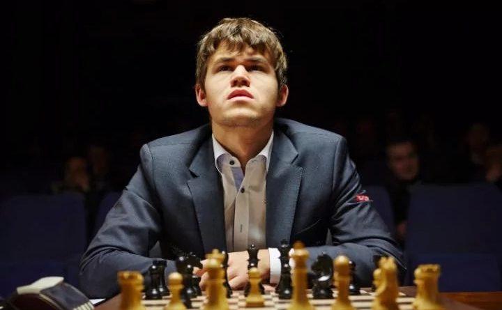 Magnus Carlsen espera por su retador