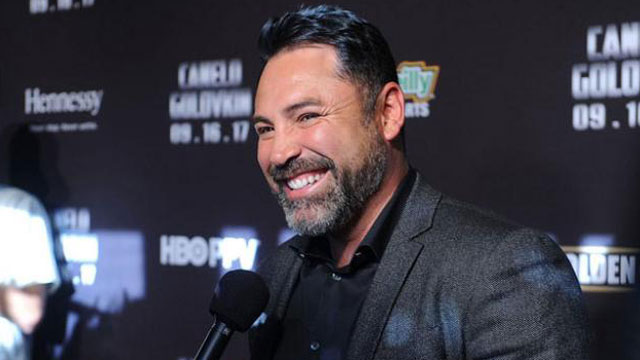 Oscar de la Hoya es uno de los ejecutivos más poderosos del boxeo