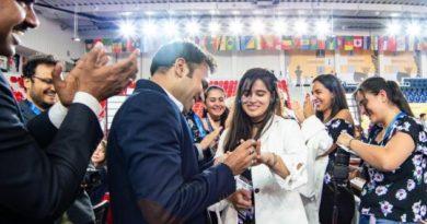 Niklesh Jain le propuso matrimonio a la colombiana Angela Franco en el salón de juego de la Olimpiada. Foto: Maria Emelianova/Chess.com.