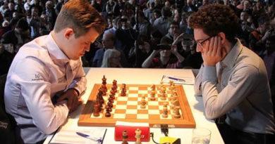 Caruana contra Carlsen, durante el Grenke Chess Classic de 2018. Foto: ChessBase