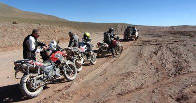 Los accesorios imprescindibles para comenzar a viajar en moto.