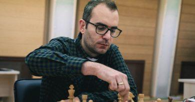 El GM Leinier Domínguez quedó eliminado de la Copa Mundial de ajedrez. Foto tomada del sitio oficial del evento