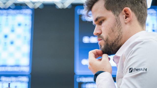 Magnus Carlsen quiere despedir el 2019 como dueño de las tres coronas del ajedrez: clásico, rápido y blitz.