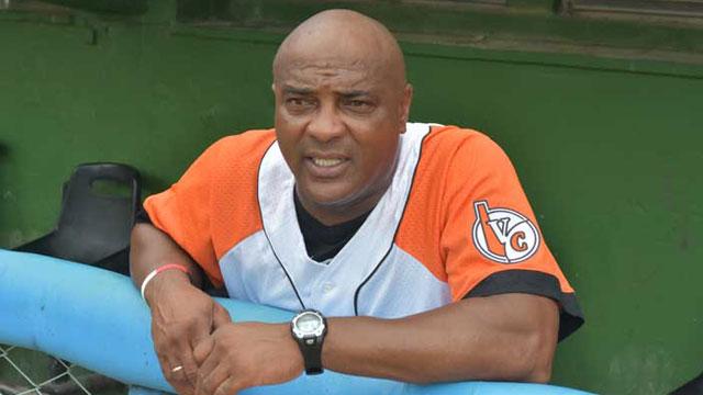 El segundo despido del béisbol cubano de Eduardo Paret también fue sorpresivo e incomprensible