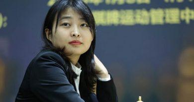 La china Ju Wenju es una campeona mundial de ajedrez con nervios de acero y lo acaba de demostrar en su dramática victoria en las partidas rápidas sobre la rusa Alexandra Goryachkina.