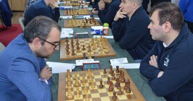 """El Gran Maestro Leinier Domínguez tuvo un gran inicio en el Campeonato Mundial de ajedrez rápido y blitz """"Rey Salman"""", que se disputa en Moscú, al cerrar la primera fecha con 4,5 puntos de cinco posibles"""