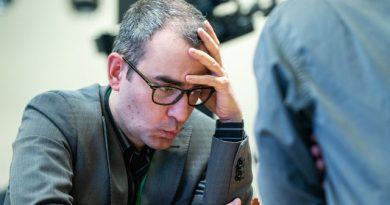 Los problemas de Leinier Domínguez con el control del tiempo fueron evidentes en la primera jornada del Campeonato Mundial de ajedrez blitz, en Moscú
