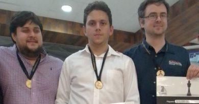 """El GM Carlos Daniel Albornoz obtuvo su segunda corona en la edición 31 del torneo """"Memorial Carlos Torres Repetto"""", celebrado en Mérida"""