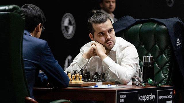 Ian Nepomniachtchi aprovechó un error gravísimo del chino Wang Hao y con 3,5 puntos lidera, en solitario, la tabla de posiciones del Torneo de Candidatos 2020