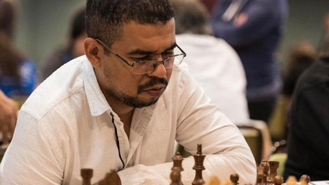 El GM Carlos Hevia venció 4-3 a Neuris Delgado, en el match más interesante de la primera jornada de octavos de final de la Copa Cuba de ajedrez online