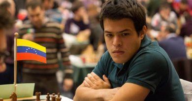 El GM venezolano Eduardo Iturrizaga ganó el Grupo Elite de la edición 2020 del Memorial Capablanca online; mientras, la argentina Florencia Fernández conquistó el Premier