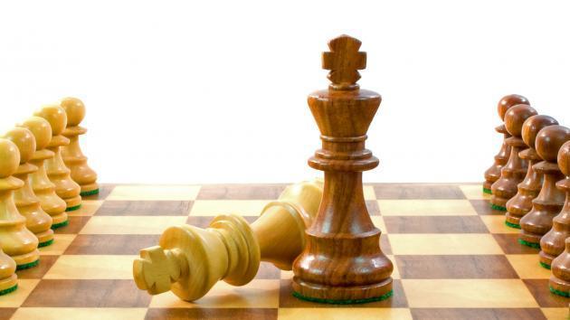 La decisión del GM Yusnel Bacallao de no defender el primer tablero de la selección cubana que participará en la primera edición de la Olimpiada online de la FIDE, como protesta por la sanción de la Federación nacional a su homólogo Roberto García Pantoja, engrosa la lista de polémicas en las que ha estado envuelto al ajedrez cubano en los últimos tiempos