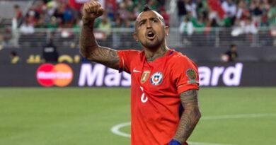"""""""El Rey"""" Arturo es el futbolista chileno más premiado de todos los tiempos."""
