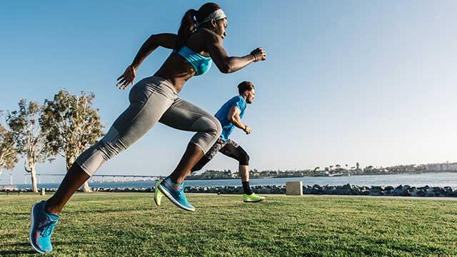 ¿Cuáles son las principales ventajas del running? Alargas tus años de vida, descansas mejor, te quitas estrés, pierdes peso