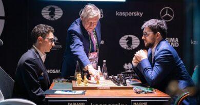 El Torneo de Candidatos 2020/21 tuvo un formidable comienzo, en el que el GM Fabiano Caruana superó al GM Maxime Vachier-Lagrave. Foto: Sitio oficial del evento.