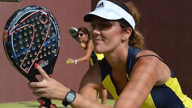 Las gafas deportivas se utilizan en diferentes deportes, como el pádel