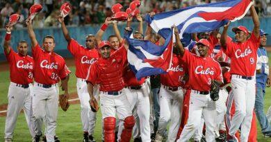 En los Juegos Olímpicos de Atenas, en 2004, el béisbol cubano obtuvo su tercera corona en citas estivales.