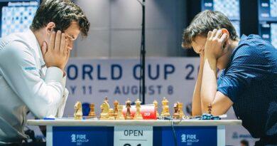 Andrey Esipenko y Magnus Carlsen entablaron las dos partidas clásicas, en la quinta ronda de la Copa Mundial de ajedrez. Foto: Anastasia Korolkova.
