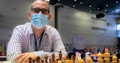 El GM Leinier Domínguez entabló su primera partida en la Copa Mundial de ajedrez. Foto: Eric Rosen / FIDE