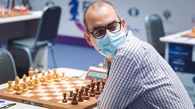El GM Leinier Domínguez perdió sorpresivamente las dos partidas rápidas ante el uzbeco Vakhidov y quedó eliminado de la Copa Mundial de ajedrez. Foto: Eric Rosen / FIDE
