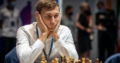 El Gran Maestro ruso Sergey Karjakin se convirtió en el primer finalista de la Copa Mundial de ajedrez. Foto: Eric Rosen / FIDE