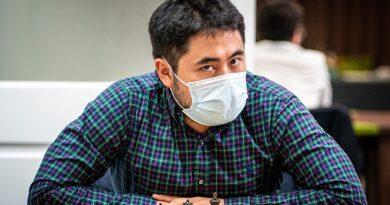 El Gran Maestro Hikaru Nakamura ganó de forma invicta el fortísimo torneo Rápido & Blitz San Luis 2021 que reunió a 10 ajedrecistas de la súper elite