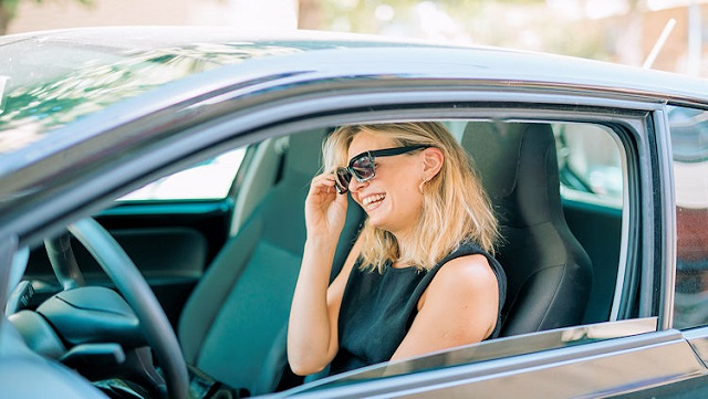 El renting es el alquiler de un vehículo a largo plazo, por un tiempo similar al que supondría adquirir el coche en propiedad
