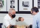 El Gran Maestro Leinier Domínguez ganó el torneo Champions Showdown Chess 9LX de ajedrez 960 o Random Fischer, jugado de manera presencial en San Luis. El veterano Garry Kasparov lució muy bien en este certamen.